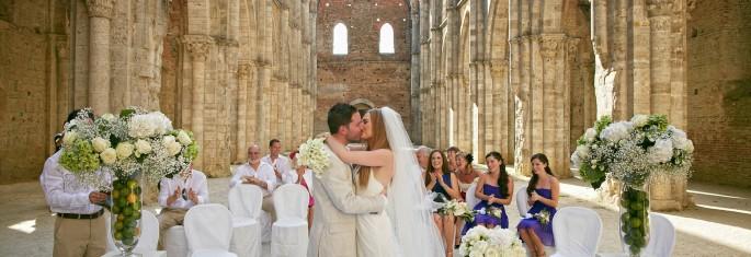 wedding ceremony San Galgano Tuscany