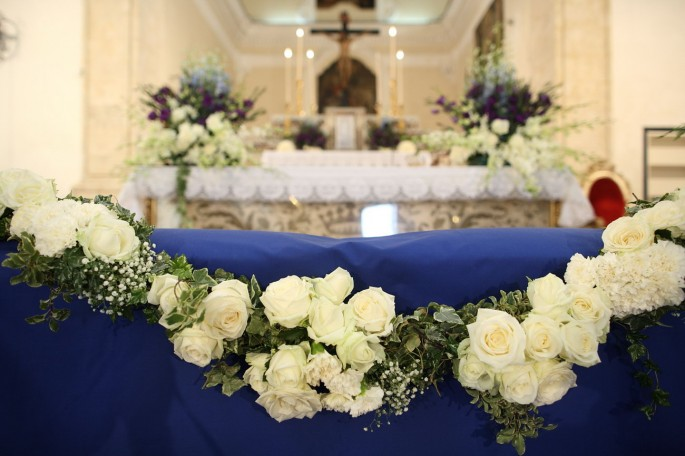 altar's flower decoration