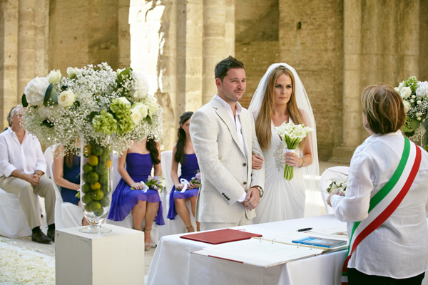 Civil ceremony San Galgano Abbey Tuscany
