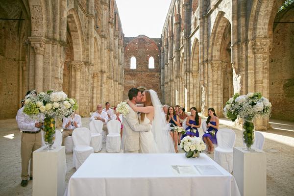 Wedding ceremony inTuscany