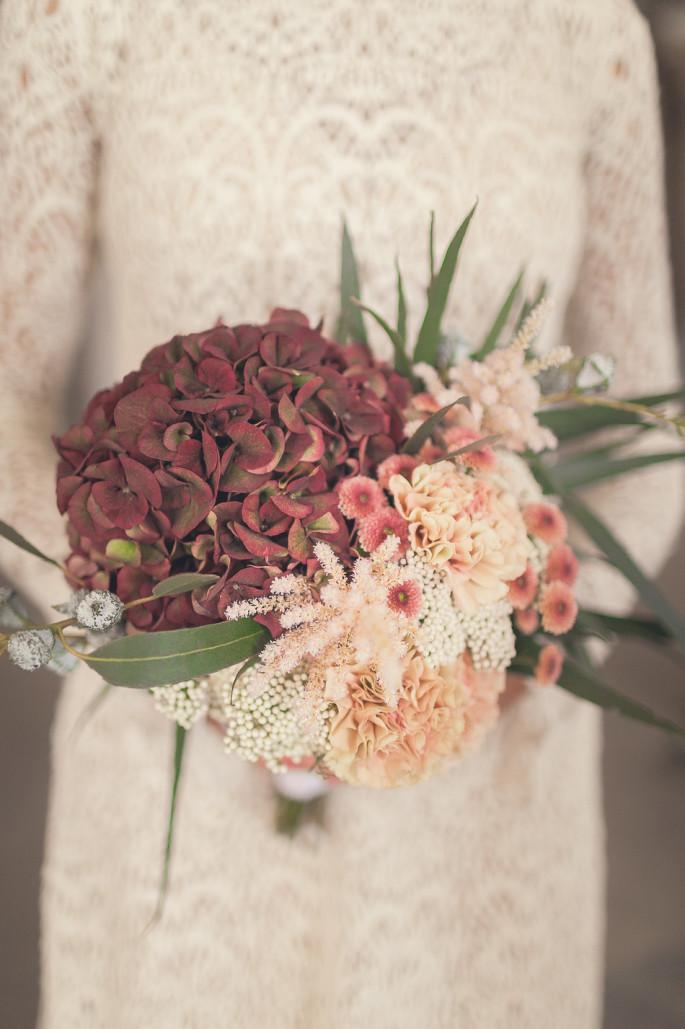 burgundy fall bridal bouquet