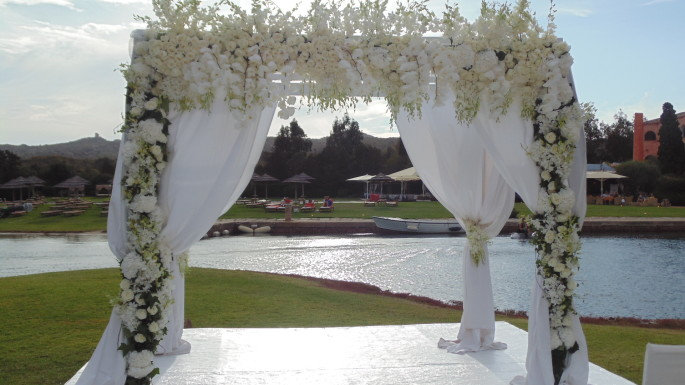 white huppah Luxury wedding Hotel Cala Di Volpe Costa Smeralda