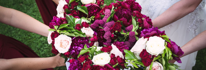 burgundy-wedding-flowers