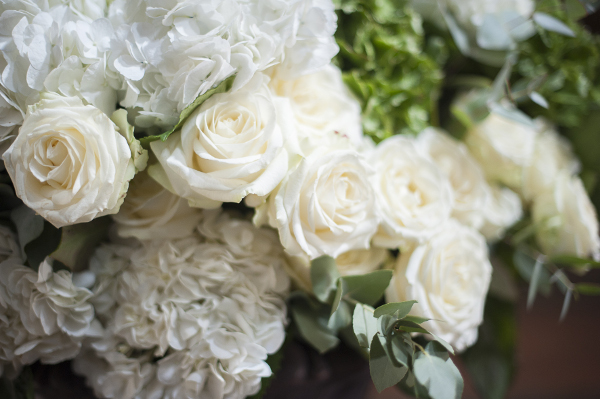 white-wedding-flowers-tuscany