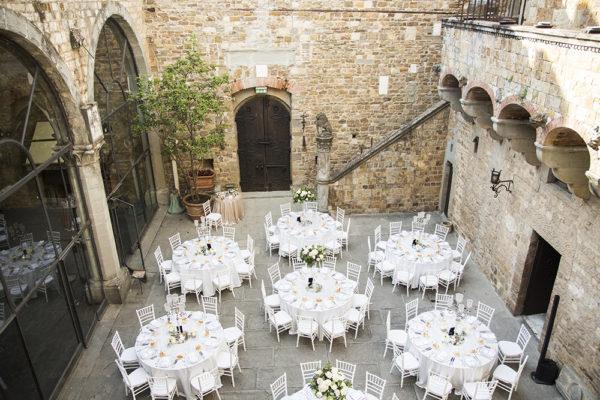 castello-di-vincigliata-wedding-centertables