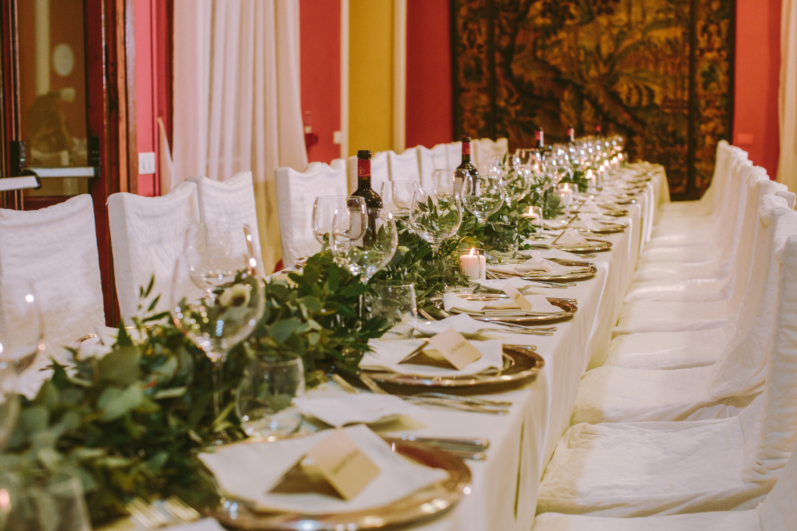 garland-tablescape-decor-tuscany