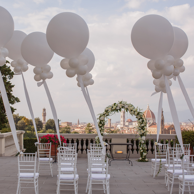 wedding-flowers-arch-tuscany