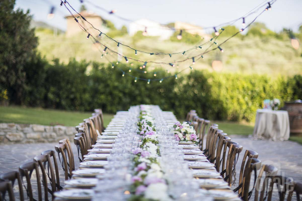 garland-table-scape-decor-tuscany