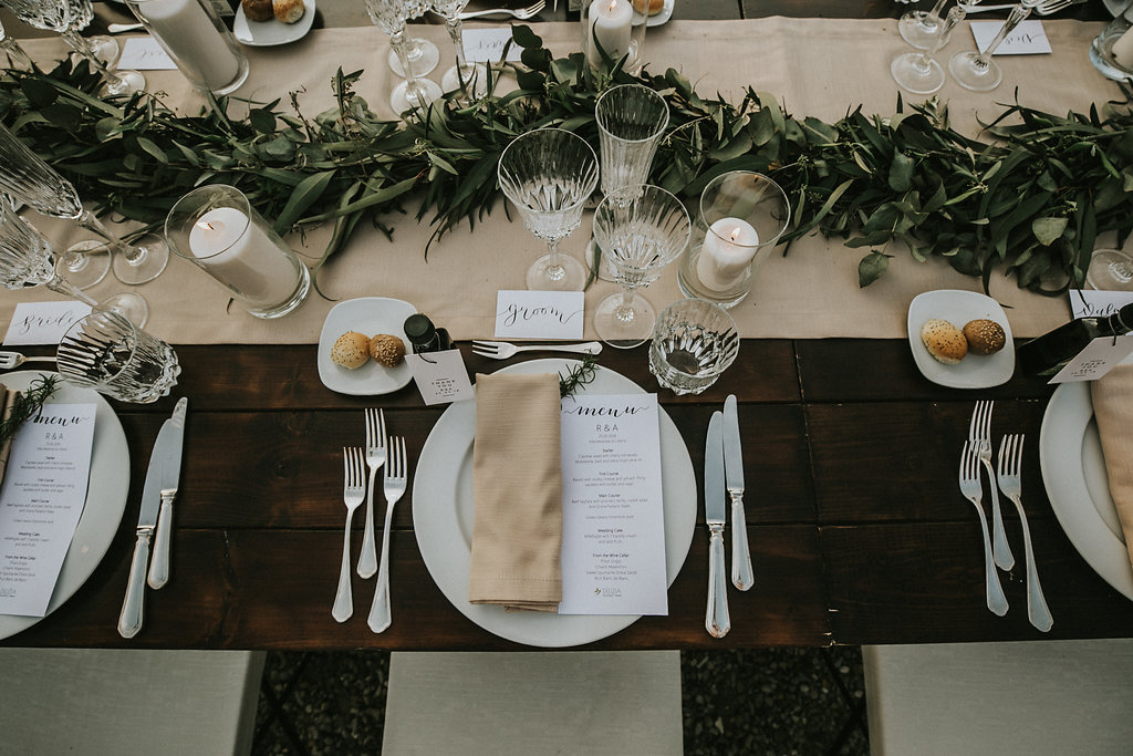 wedding-garland-table-decor
