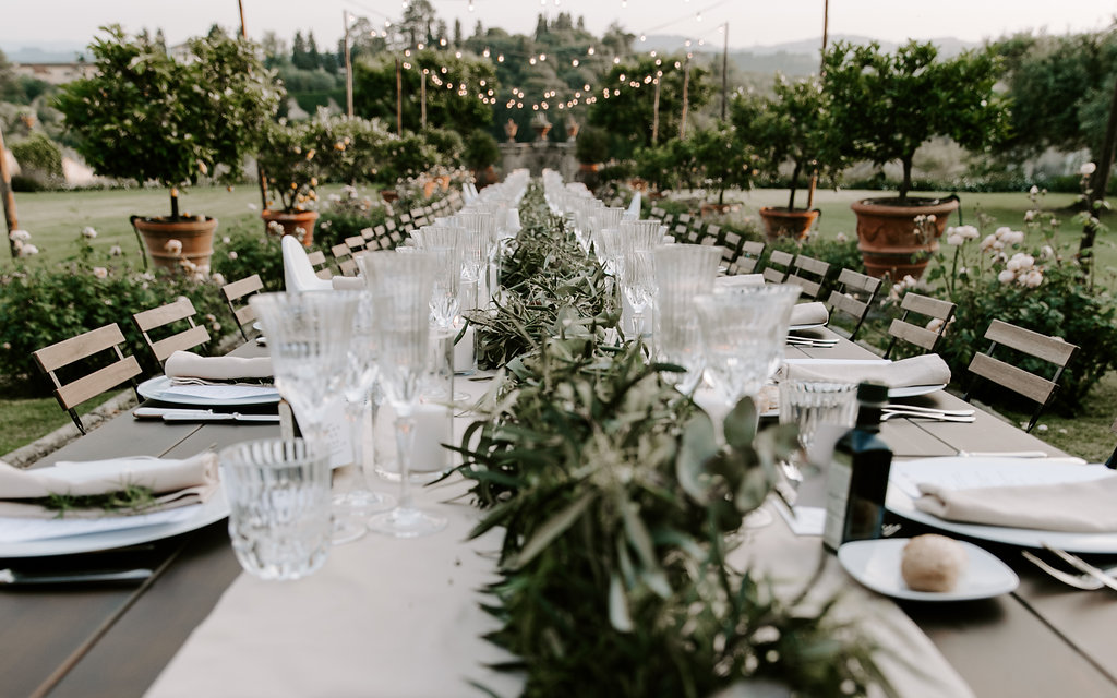 wedding-garland-table-scape