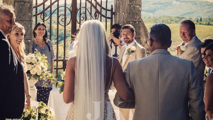 arrival-of-the-bride-tuscany