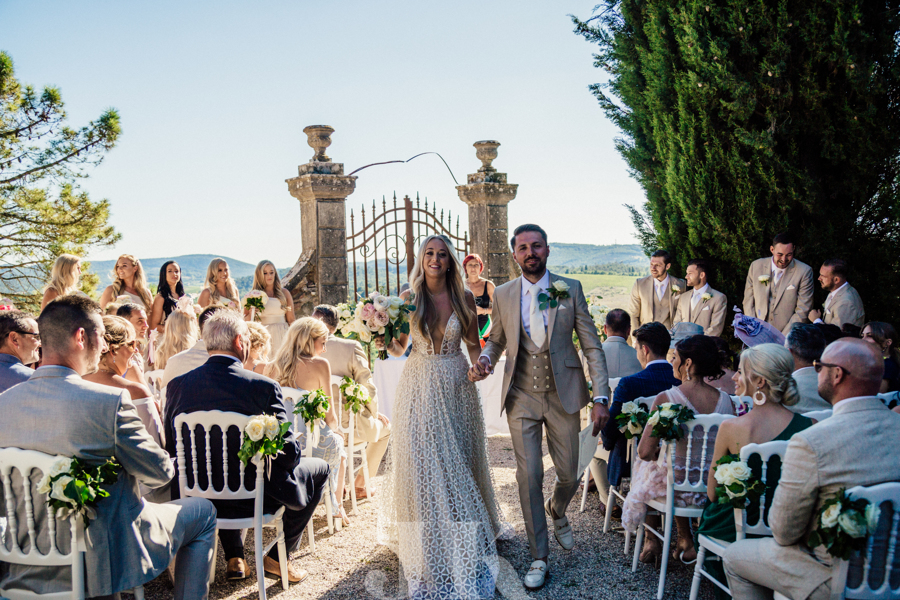 wedding-flowers-in-tuscany