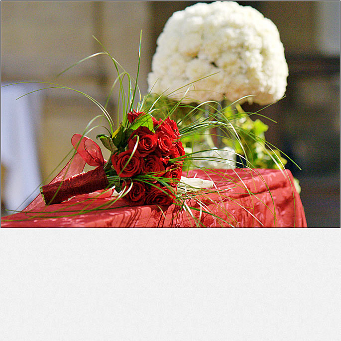 Burgundy wedding in Florence