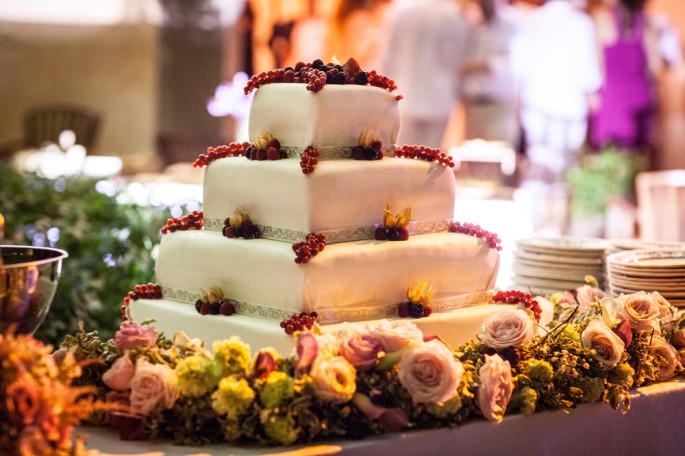 wedding cake tuscany