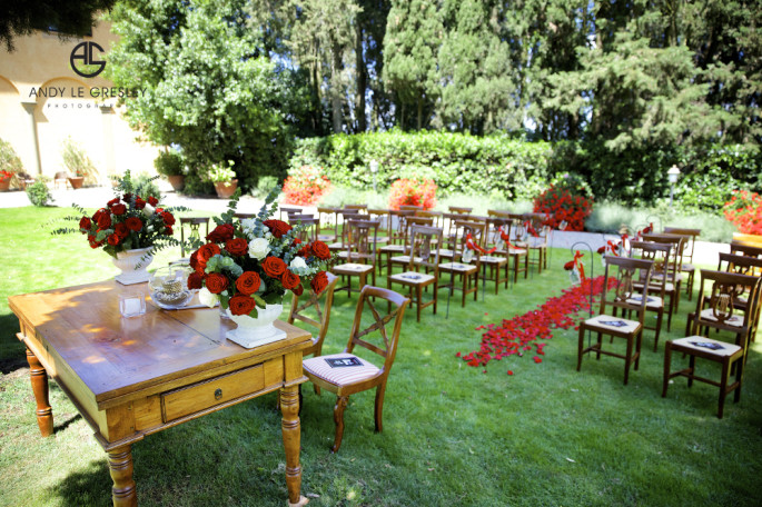 rustic red outdoor wedding ceremony Tuscany