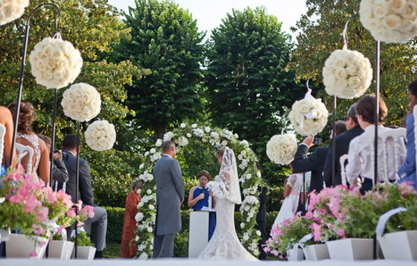 Ceremony flowers arch Florence Tuscany