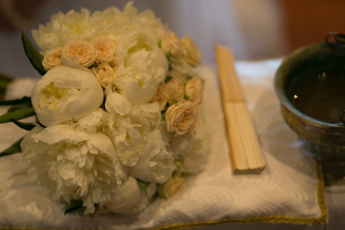 peonies bridal bouquet Tuscany