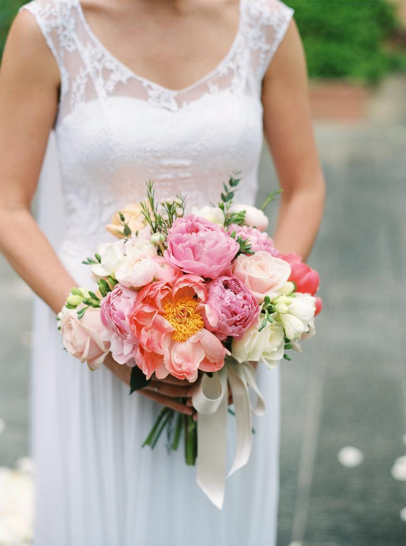 wedding flowers  bouquet Tuscany