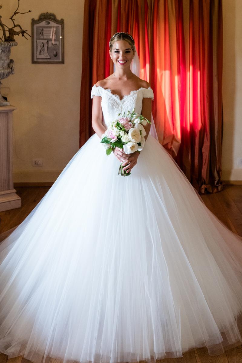 bridal-gown-stunning-bride