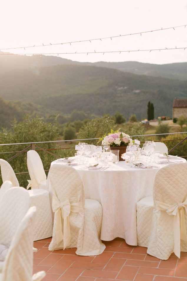 country-wedding-centertable-decor-tuscany