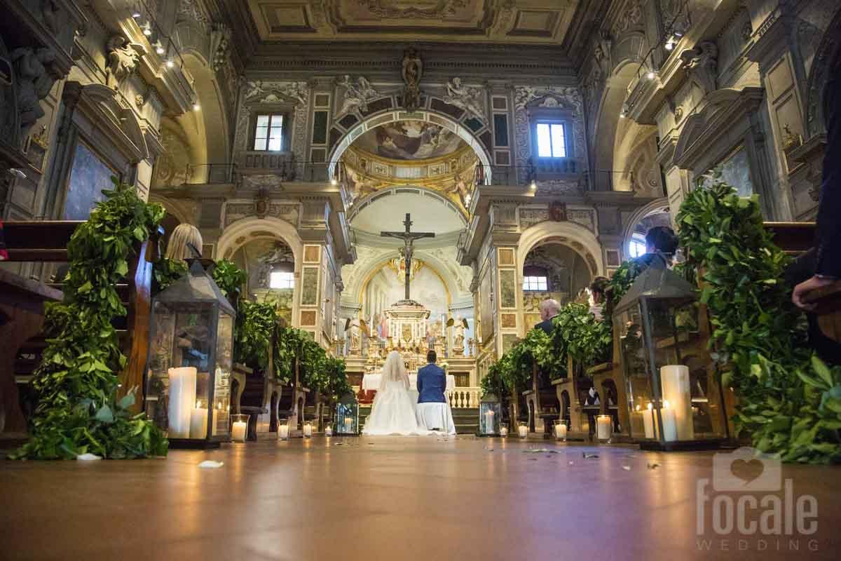 garland-church-decor-tuscany