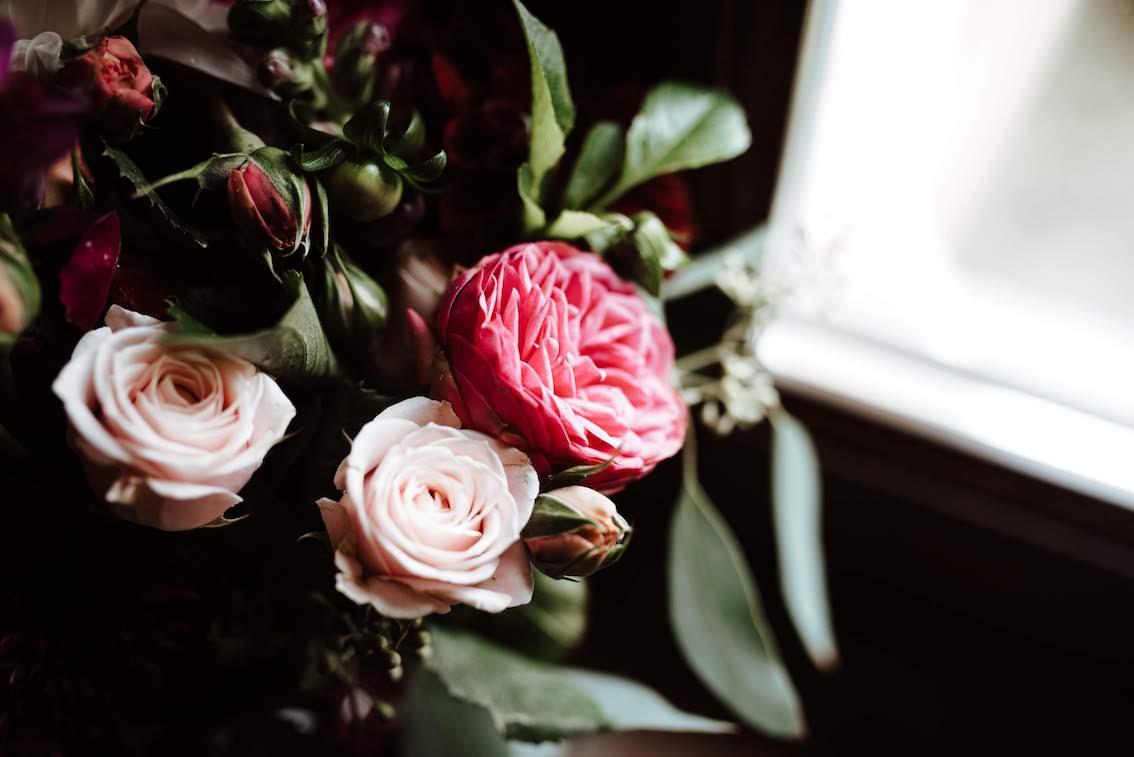 burgundy-wedding-flowers