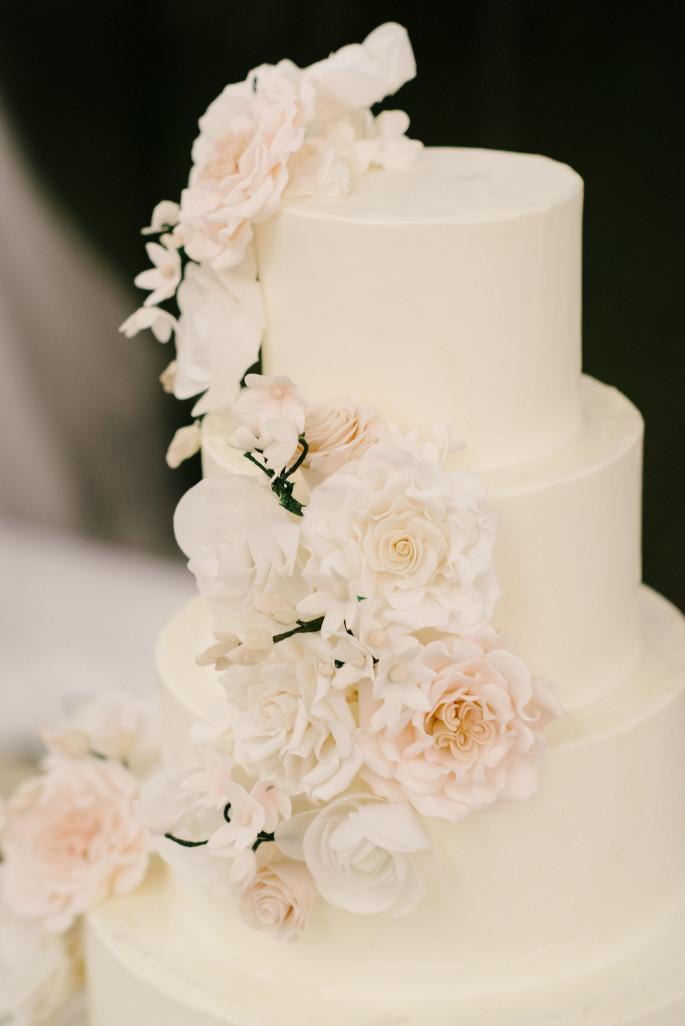 tuscany-wedding-cake