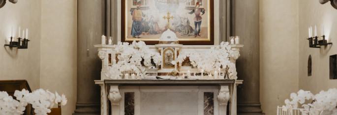 wedding-altar-decor-tuscany