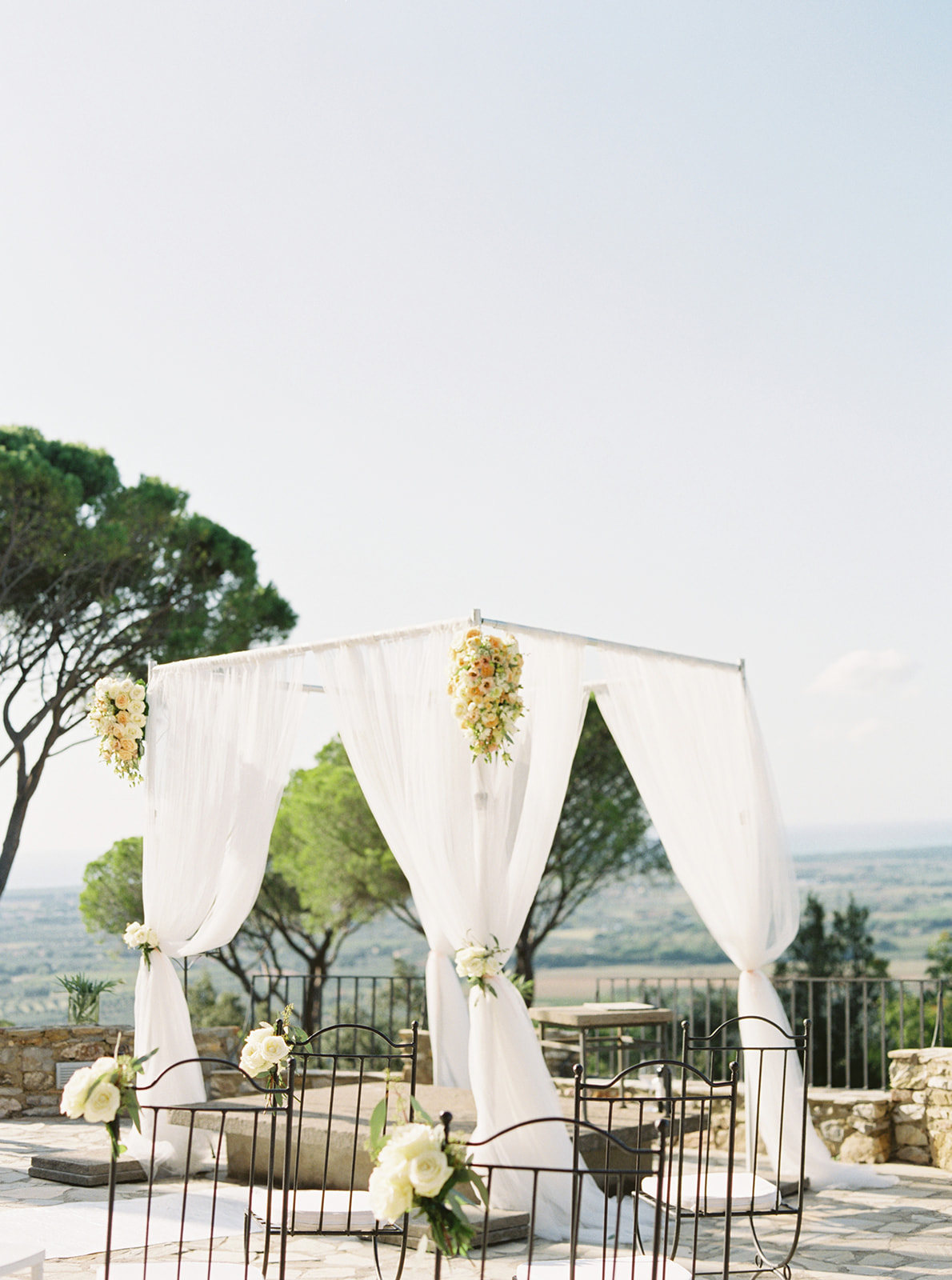 wedding ceremony flowers Tuscany