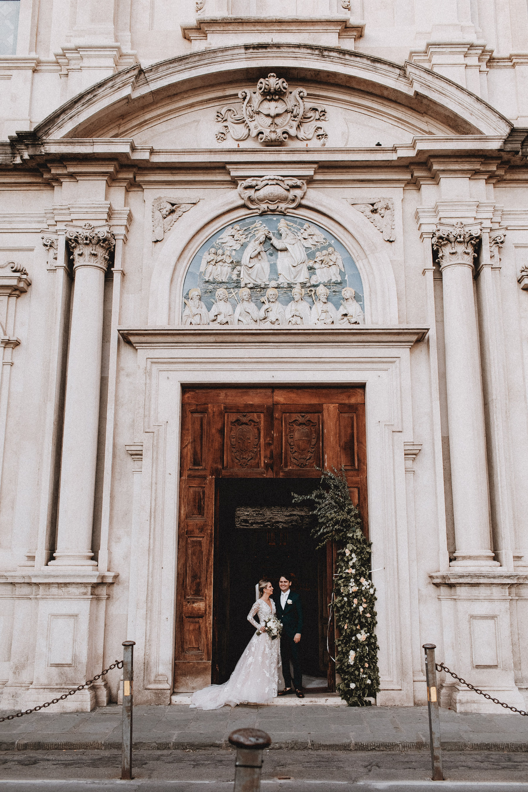 church-wedding-flowers-florence-tuscany